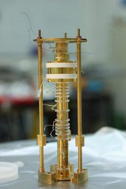 电子的高精度测量精度提高了13倍