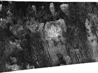 Cassini的新雷达图像显示泰坦沙丘上的熟悉形式