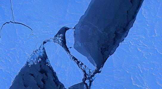 北极融化季节每十年都延长了几天