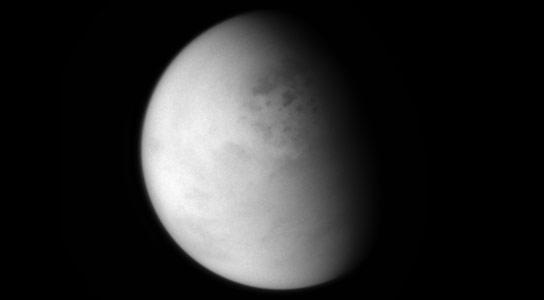 卡西尼景观土星月亮泰坦的湖泊